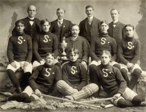 Stratford hockey team 1890(1900) (from Toronto Public Library collection) (2)